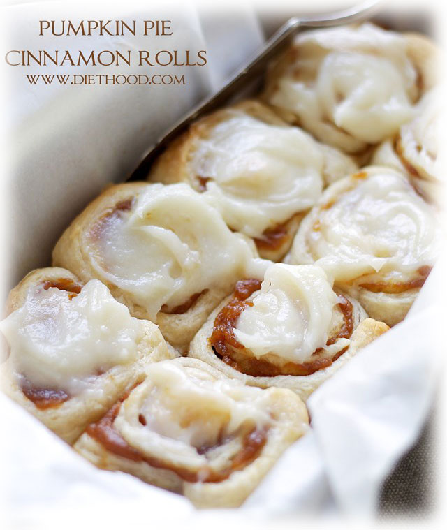 6 PUMPKIN PIE CINNAMON ROLLS